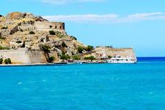 La fortaleza en la isla de Spinalonga Imagen de archivo libre de regalías