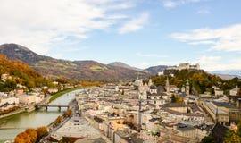 La fortaleza y la ciudad vieja de Salzburg Imagen de archivo libre de regalías
