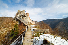 La forteresse de Dracula chez Poienari, Image stock