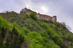 La forteresse de Poenari est le ch?teau de Vlad Tepes, prince de Wallachia m?di?val image stock
