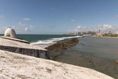 La fortezza dei tre saggi e Newton Navarro Bridge Fotografie Stock Libere da Diritti
