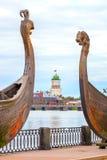 La fortezza di Vyborg sui precedenti della nave antica due Fotografie Stock Libere da Diritti