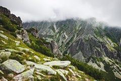 La foschia che scende sul Tatras, Slovacchia Immagini Stock Libere da Diritti