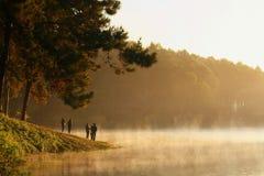 La foschia sul lago Fotografia Stock Libera da Diritti