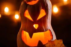 La foto de la calabaza de Halloween cortó en la forma de la cara Foto de archivo libre de regalías