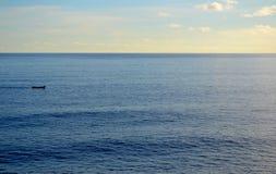 La foto del océano del horizonte, playa, agita Imagenes de archivo