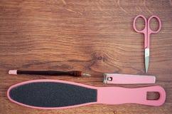 La foto del vintage, los accesorios para la manicura o la pedicura, el concepto de pie, la mano y el clavo cuidan, copian el espa Imagen de archivo libre de regalías