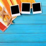 La foto di stile della polaroid dello spazio in bianco dell'album di foto della spiaggia dell'estate stampa Immagini Stock Libere da Diritti