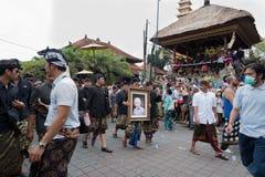 La foto pagina di Anak Agung Niang Agung ha portato durante il suoi funerale e cremazione in Ubud, Bali 2 marzo 2018 immagine stock