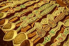 La foto vieja con las cucharas de madera rumanas talló 1 Foto de archivo libre de regalías