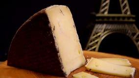 La fourchette prend un morceau de fromage ? p?te dure clips vidéos