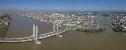 La France, l'Aquitaine, la Gironde, Bordeaux Bastide Bridge Jacques Chaban Delmas image libre de droits