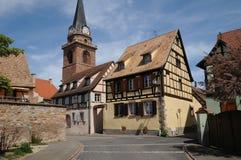 La Francia, il villaggio di Bergheim nell'Alsazia Fotografie Stock Libere da Diritti