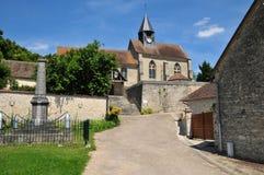 La Francia, il villaggio pittoresco del sur Epte di Montreuil Immagini Stock