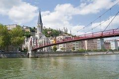 La Francia, Lione - 3 agosto 2013: Ponte Pasrel-San-Georges, cavo Fotografia Stock Libera da Diritti