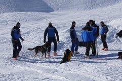 La Francia, Montgenevre. Addestramento di salvataggio della valanga del gennaio 2013 Immagini Stock