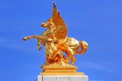 La Francia, Parigi: Statue del ponticello del Alexander III Fotografia Stock Libera da Diritti