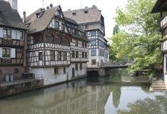 La Francia, Strasburgo. Case antiche Immagine Stock