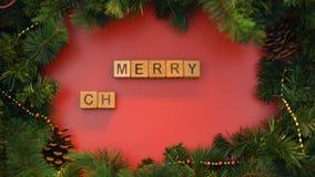 La frase di Buon Natale ha fatto dei cubi, preparazione delle cartoline d'auguri festive stock footage