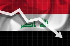 La freccia bianca cade contro lo sfondo della bandiera dell'Irak Fotografia Stock Libera da Diritti