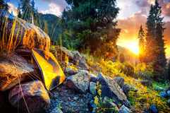La freccia firma dentro le montagne Fotografie Stock Libere da Diritti
