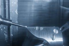 La fresatrice di CNC di 5 assi che taglia l'automobilistico si separa il endmill della palla fotografia stock libera da diritti
