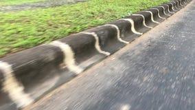 La frontera del camino Capturado de la moto almacen de video