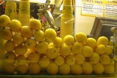 La fruta en el contador Imagenes de archivo