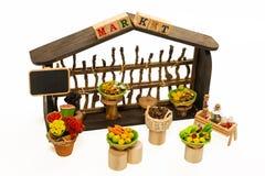 La frutta e la verdura commercializzano il modello isolato su fondo bianco fotografia stock