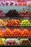 La frutta fresca è venduta in supermercati Java Indonesia centrale solo fotografia stock libera da diritti