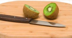 La frutta ha tagliato metà e metà. Immagini Stock