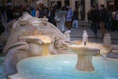 La fuente de Barcaccia del della de Fontana del barco en el pie o fotografía de archivo