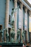 La fuente de Orfeo está situada delante de concierto Fotos de archivo