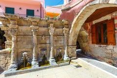 La fuente de Rimondi en el centro de la ciudad vieja de Rethymnon, Grecia Imágenes de archivo libres de regalías