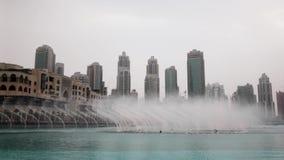 La fuente del canto en Dubai almacen de metraje de vídeo