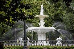 La fuente del parque en sabana en Georgia se sabe para sus parques manicured, carros traídos por caballo y arquitectura de pregue Imagenes de archivo