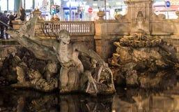 La fuente del tritone en Düsseldorf Foto de archivo