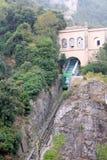 La funicular Santa Cova de en la abadía benedictina Santa Maria de Montserrat españa Imagen de archivo libre de regalías
