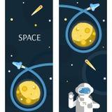 La fusée et l'astronaute sur le fond de lune Photos stock