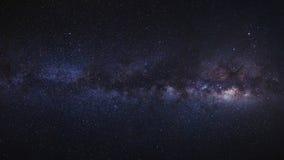 La galassia della Via Lattea di panorama Fotografia lunga di esposizione con il grai fotografie stock libere da diritti