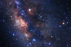 La galaxie de manière laiteuse avec des étoiles et l'espace époussettent dans l'univers Photographie stock libre de droits