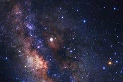 La galaxie de manière laiteuse avec des étoiles et l'espace époussettent dans l'univers photo libre de droits