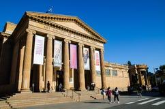 La galería de arte de Nuevo Gales del Sur localizó en el ámbito en Sydney, Nuevo Gales del Sur, Australia imágenes de archivo libres de regalías