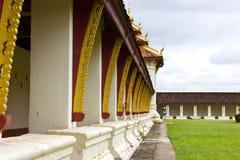 La galleria dal Pagoda di Thad Luang a Vientiane Immagini Stock Libere da Diritti