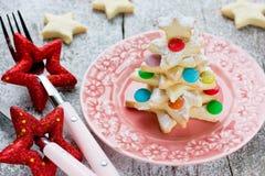 La galleta del árbol de navidad adornó el caramelo colorido Imagen de archivo libre de regalías