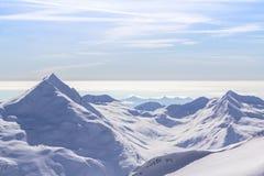 La gamme de montagne dans des honoraires de Saas, Suisse image stock