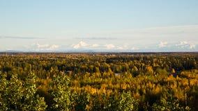 La chaîne d'Alaska dans l'automne Image stock