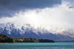 La gamme de montagne de Remarkables, Nouvelle-Zélande Images libres de droits