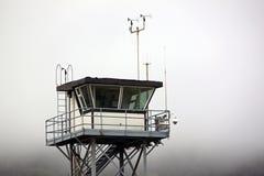 La garde côtière Tower Overlooking l'océan pacifique images stock