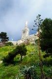 La garde de Basilique Notre Dame de, Marselha Fotos de Stock